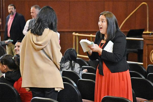 """Freedom Writers"" Author Erin Gruwell Visits Proctor Students"